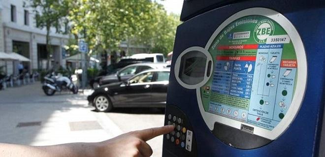 Madrid estrena parquímetros que cobran según la contaminación de tu coche