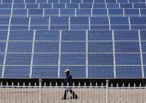 China encabeza el repunte de la inversión mundial en renovables